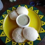 Petit déj (idlis et chutney coco)